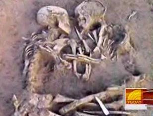 Skelette in ewiger Umarmung
