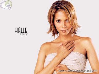 model Halle Berry cute wallpapers