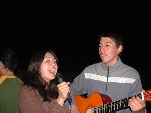 marcia cantando