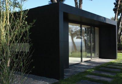 bureau de jardin tout savoir sur les bureaux de jardin design co responsables ikos une. Black Bedroom Furniture Sets. Home Design Ideas