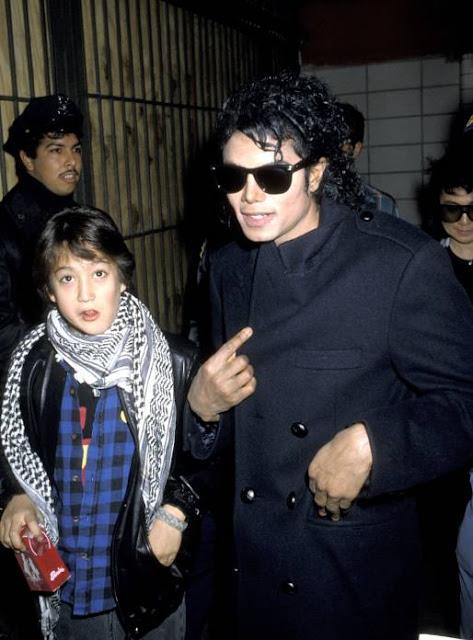 Como Ya Sabemos Sean Lennon El Hijo De John Trabajo Con Michael En Su Pelicula Moonwalker 1988 Algunas Fotos Y