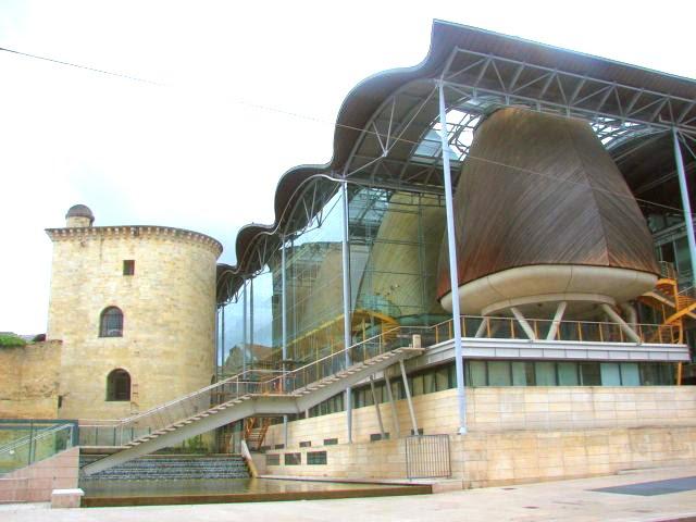 Bordeaux un mus e architecture moderne for Maison de l architecture bordeaux