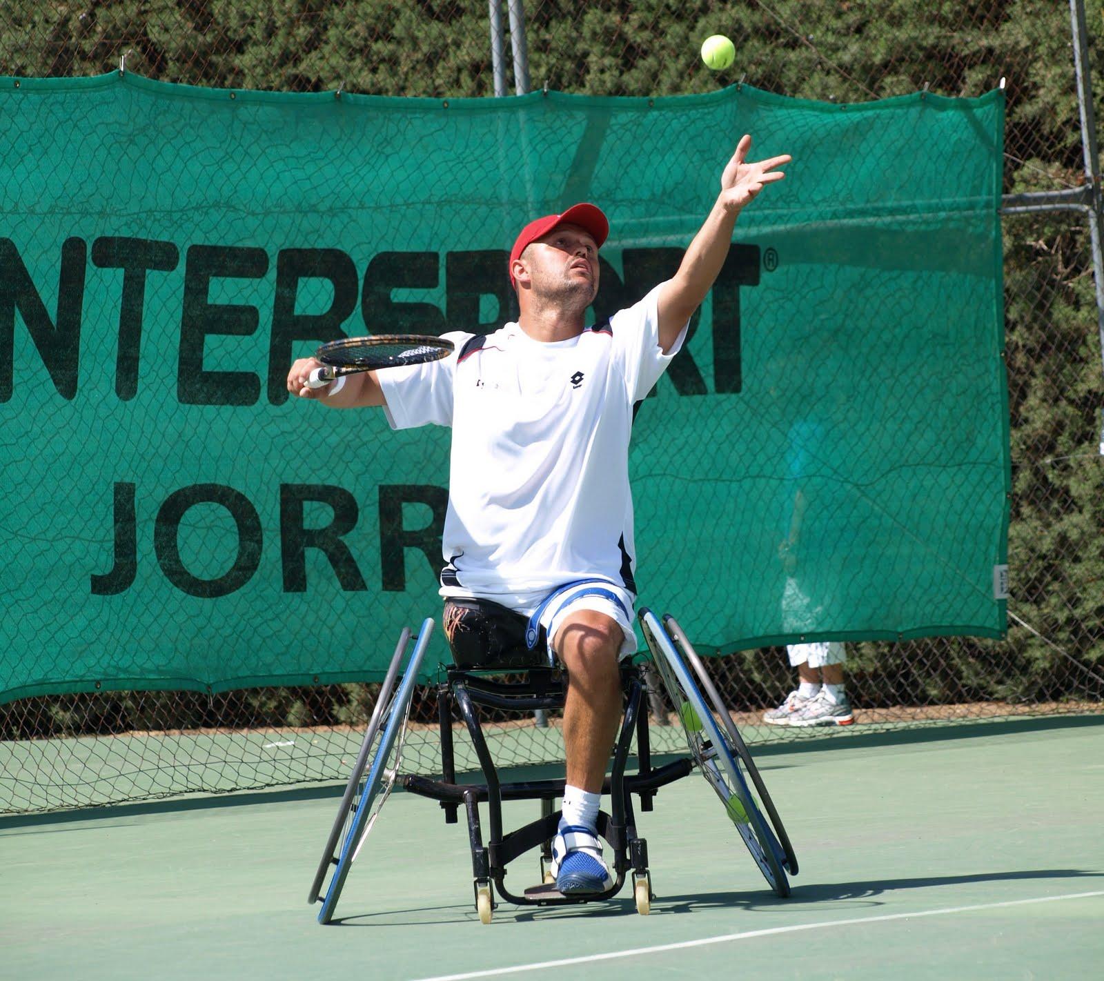 El tenis en silla de ruedas es una especialidad paralímpica