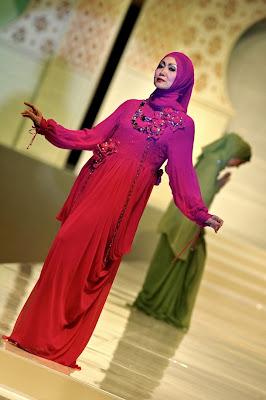 itang yunasz - Islamic Fashion Festival 2009