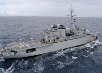 AFR 447: Procura da caixa-preta deve prosseguir pelo menos por mais 2 semanas; fragata francesa atraca em Fortaleza