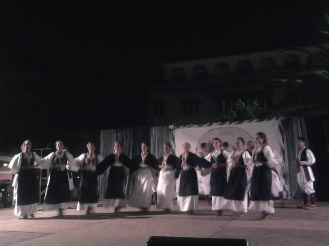 Αποθέωσε το κοινό της πόλης τα χορευτικά στο 5ο Φεστιβάλ Παραδοσιακών Χορών