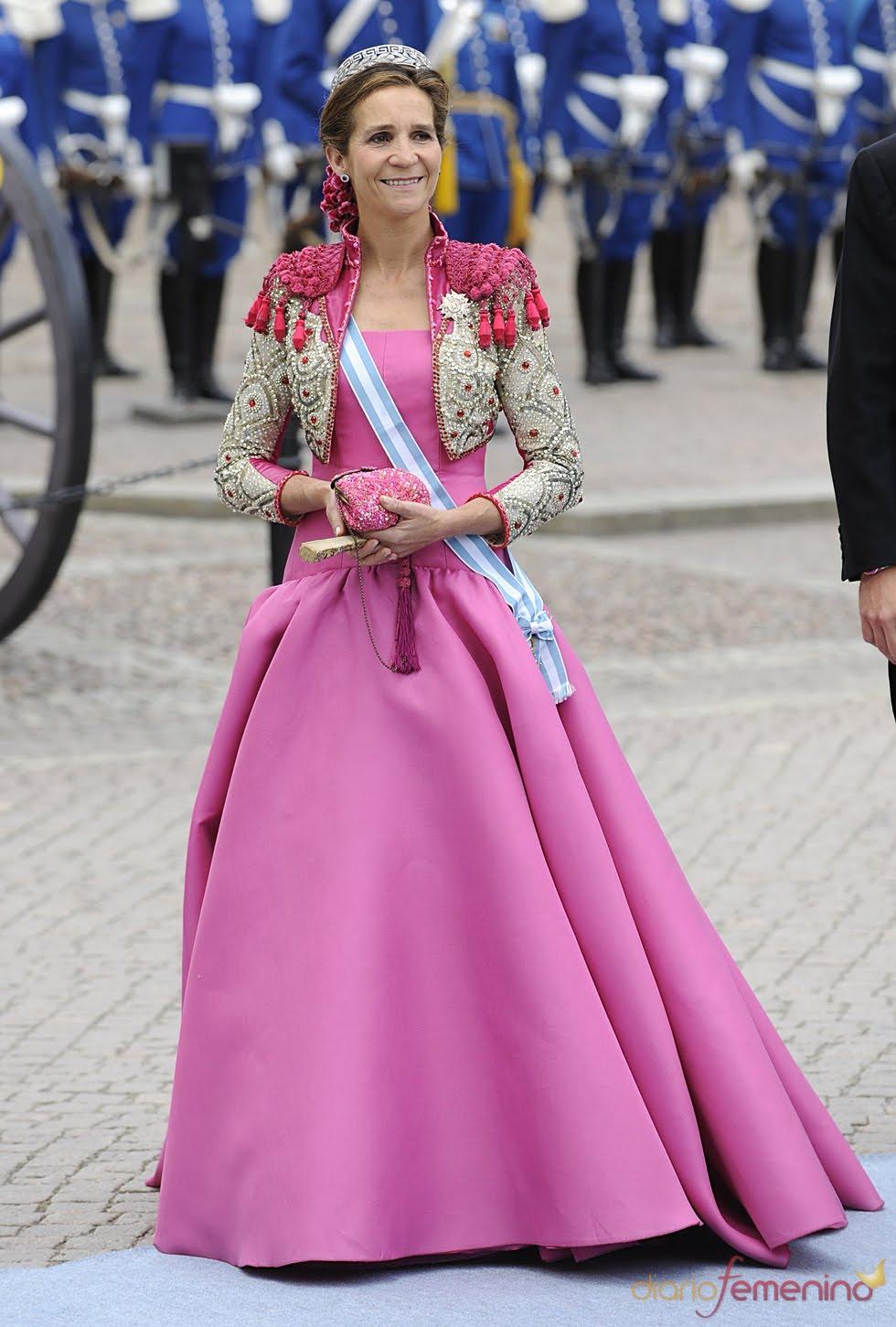 SOMOS ECUADOR: Infanta Elena, el vestido más audaz de la Boda Real ...