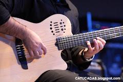 Mãos e violão...Gabriel e o godin.