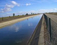 Canal del páramo bajo en Castilla y León