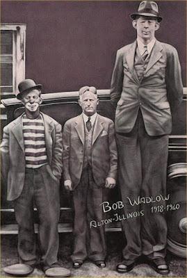 Laughing Zone: Robert Wadlow: World's Tallest Man