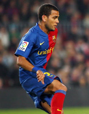 Daniel Alves Football Images