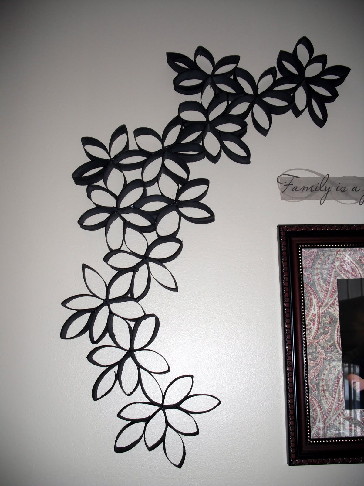 Wall Designs With Craft Paper : Cottrell family wall decor with toilet paper