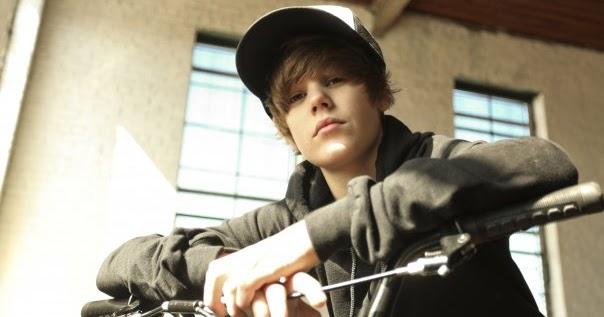 Justin Bieber - Favorite Girl Lyric, MP3, Ringtones FREE