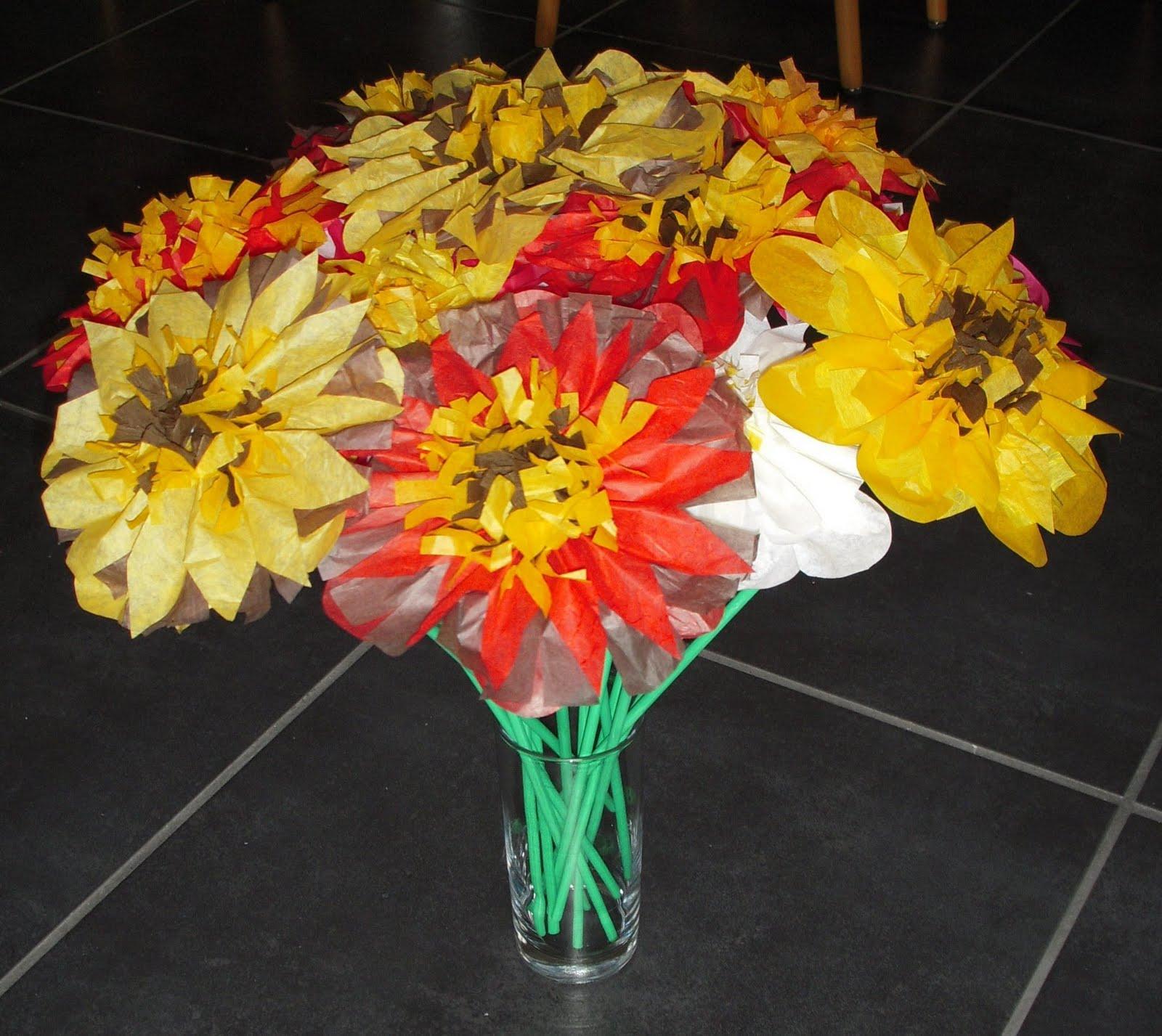 Bricolanie fleurs en papier for Fleurs en gros