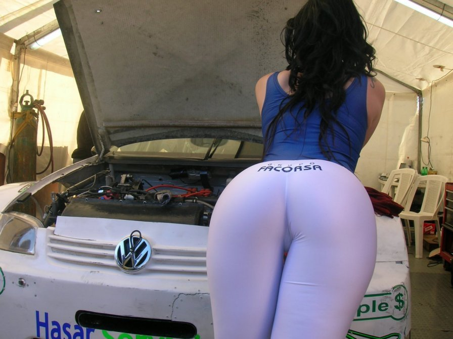 Chicas sexy sacuden el culo
