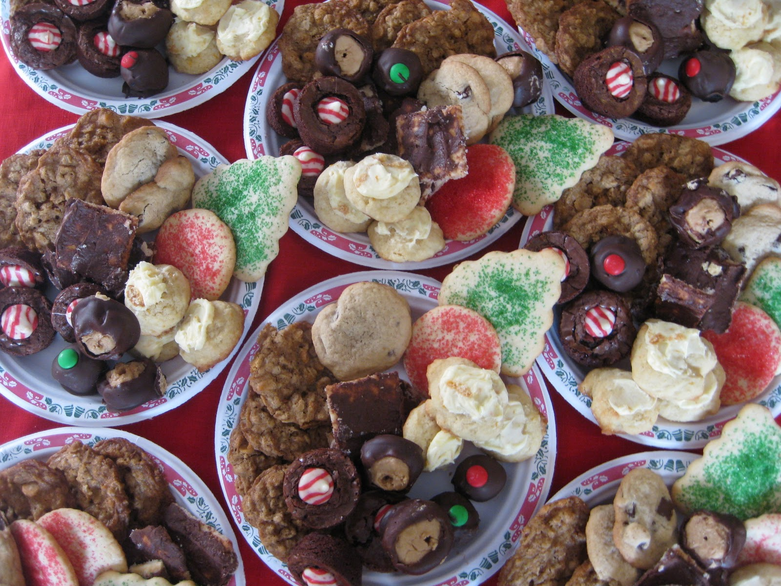 Heidi's Recipes: Holiday Gift: Plate of Cookies