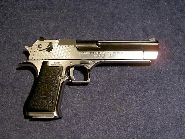 pistola desert eagle usada pelos traficantes