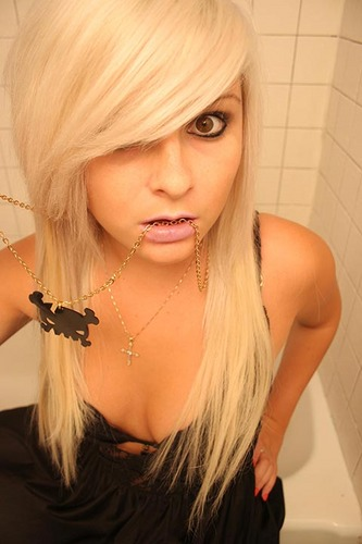 long blonde emo hairstyles