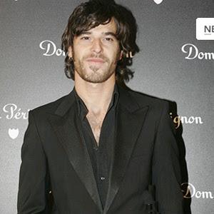 El actor Philip Olivier, desnudo y masturbndose en la