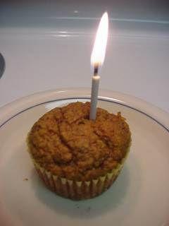 Свещта винаги гори - дали за празник, дали за помен...