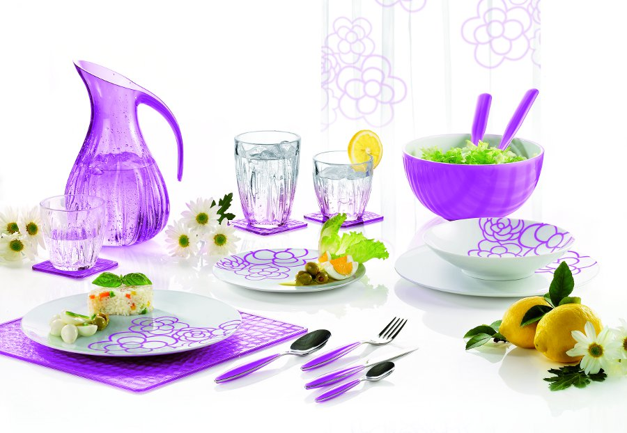 Lamiacasa set tavola glicine summer 2010 guzzini made in for Set completo di piani casa pdf