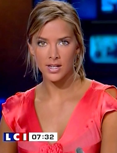 beautiful news reporter melissa theuriau