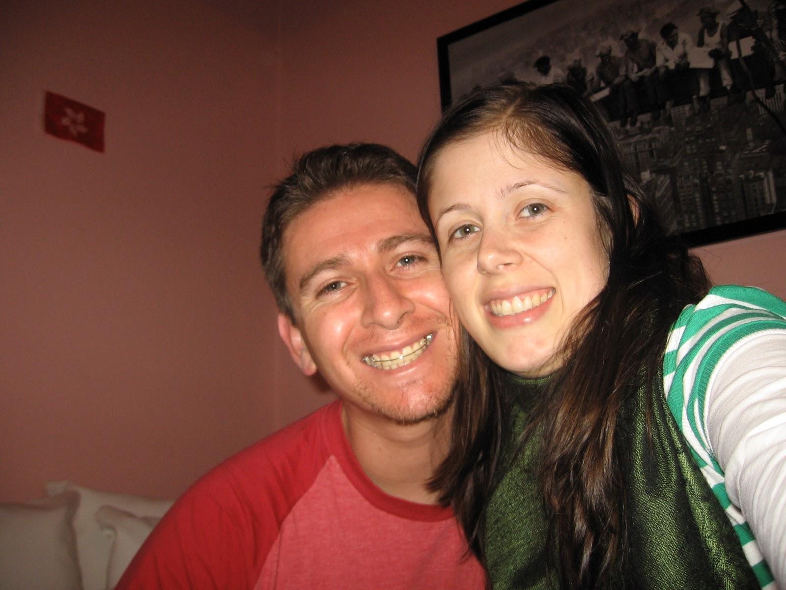 casal internacional feliz com sua nova casinha!!!! #993234 1600x1200