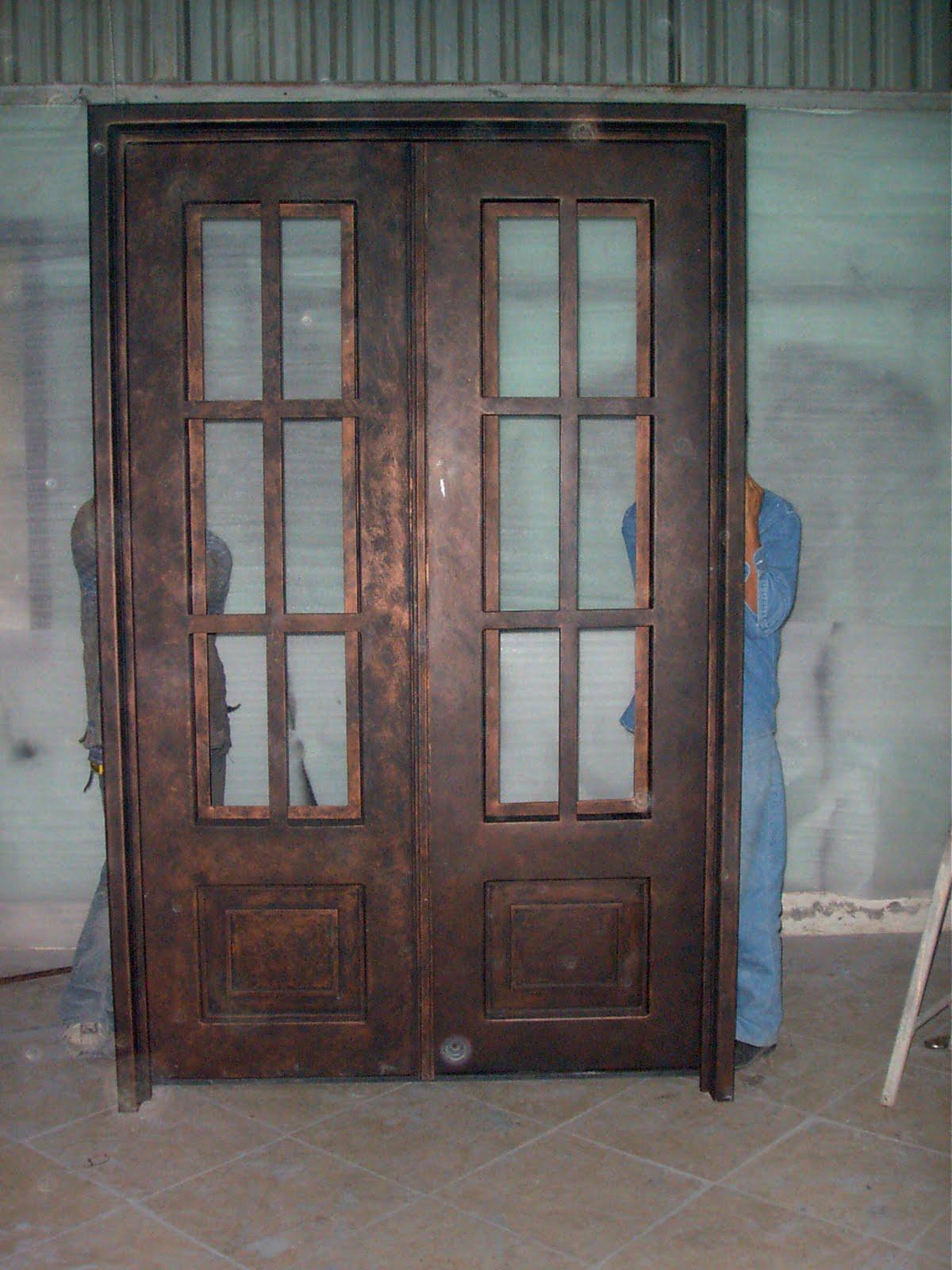 Rejas de diseo en forja y hierro forjado para ventanas for Puertas hierro forjado
