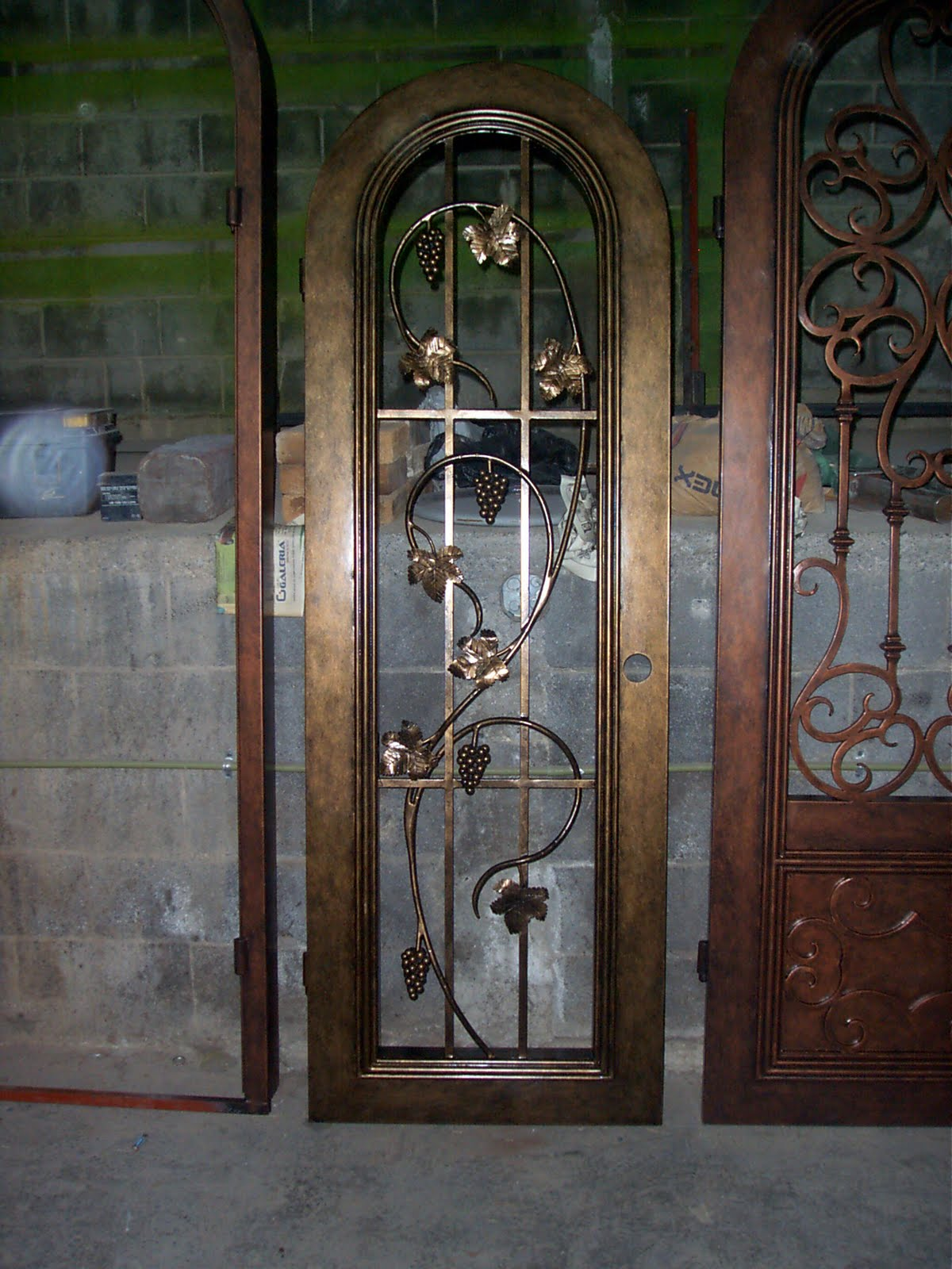 Puertas de hierro forjado car interior design - Puertas de hierro ...