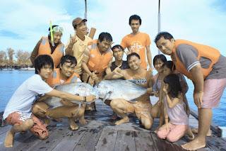 Pulau Derawan PDE Team Friends 2 Ikan Putih - Lupuzz Tarakan