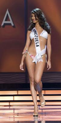 Miss Venezuela Stefania Fernandez Photos