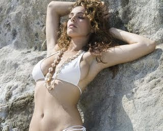 Kelly Brook in Bikinis pics