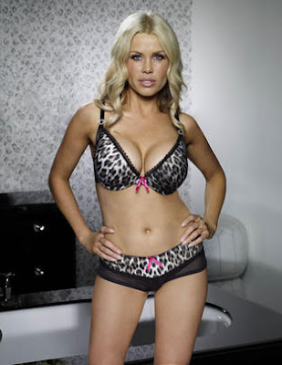 Melinda Messenger Hot Lingerie Photoshoot