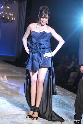 Genelia D'Souza walks ramp photos