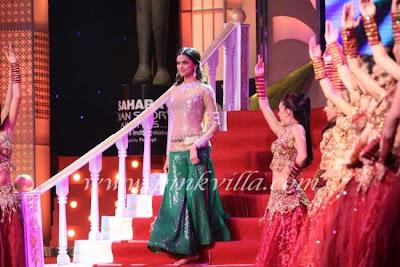 Deepika at Indian Express Sahara Sports Awards photos