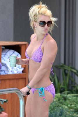 Britney Spears in Bikini images