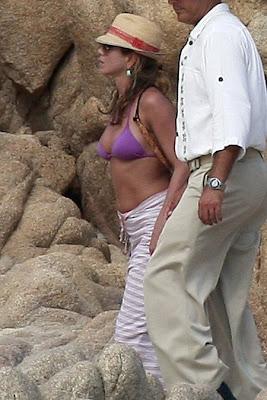 Jennifer Aniston Still in a Bikini photos, Jennifer Aniston Still in a Bikini pictures, Jennifer Aniston Still in a Bikini images, Jennifer Aniston Still in a Bikini hot and sexy photoshoot, Jennifer Aniston Still in a Bikini