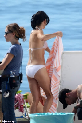 Courteney Cox Bikini new photo