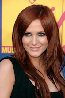 Ashlee Simpson, eyeliner, eye makeup, bold eyeliner, heavy eyeliner, MTV VMAs, Video Music Awards, celebrity eye makeup