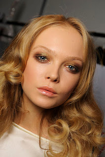 pale glossy lips, beauty trends, lipgloss, lip gloss, lip trends, runway beauty looks, Fashion Week, Dsquared
