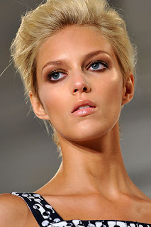 pale glossy lips, beauty trends, lipgloss, lip gloss, lip trends, runway beauty looks, Fashion Week, Oscar de la Renta