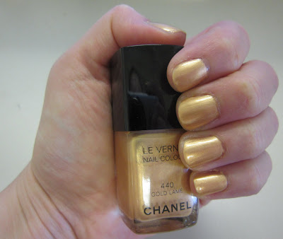 Chanel, Chanel Le Vernis Nail Colour, Chanel Gold Lame, Chanel Le Vernis Nail Colour Gold Lame, nail, nails, nail polish, polish, lacquer, nail lacquer, mani, manicure, mani of the week