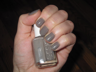 Essie, Essie nail polish, Essie Chinchilly, Essie Chinchilly Nail Polish, Essie Fall 2009 Collection, Essie Chinchilly Fall 2009, nail, nails, nail polish, polish, lacquer, nail lacquer, mani, manicure, Mani of the Week