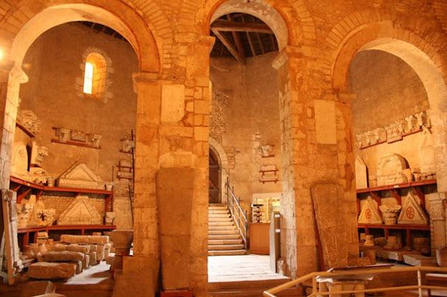 Baptisterio-poligonal