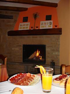 Desayunando en Uncastillo
