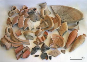 pottery associated with 'Nehemiah's Wall'