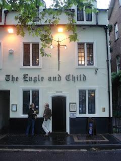 Паб Орел и ребенок