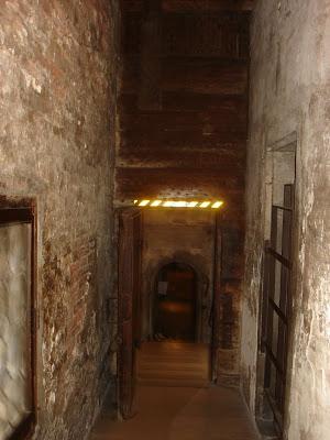 Казематы тюрьмы Поцци