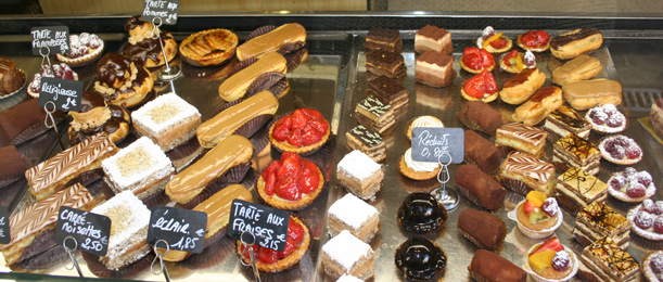Moi Decor: Pâtisserie - French bakery that specializes in pastries and sweets - my favourite!