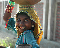 http://4.bp.blogspot.com/_BQmHxLnNHek/TTZEEHMBvBI/AAAAAAAABME/cCxMMJCMQXY/s1600/Thari+Hindu+female+in+Sindh%252C+Pakistan.jpg